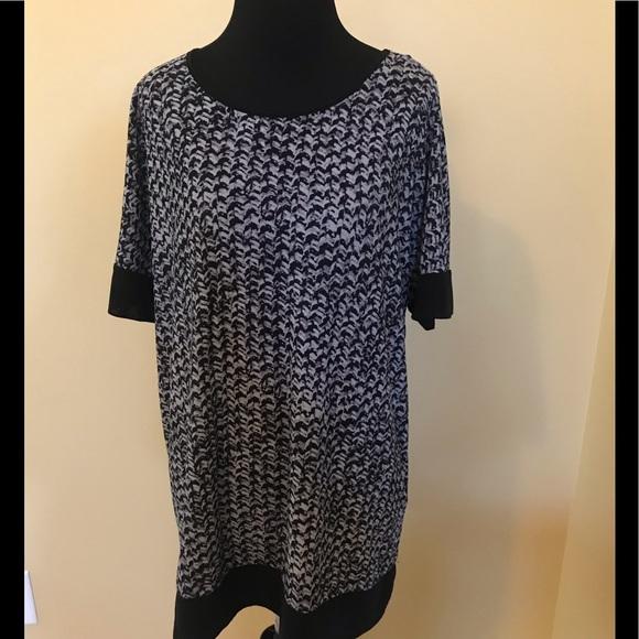 Dana Buchman Tops - Dana Buchman Black & Gray Short Sleeved Shirt Lg